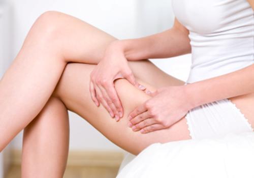 cellulite crossed legs