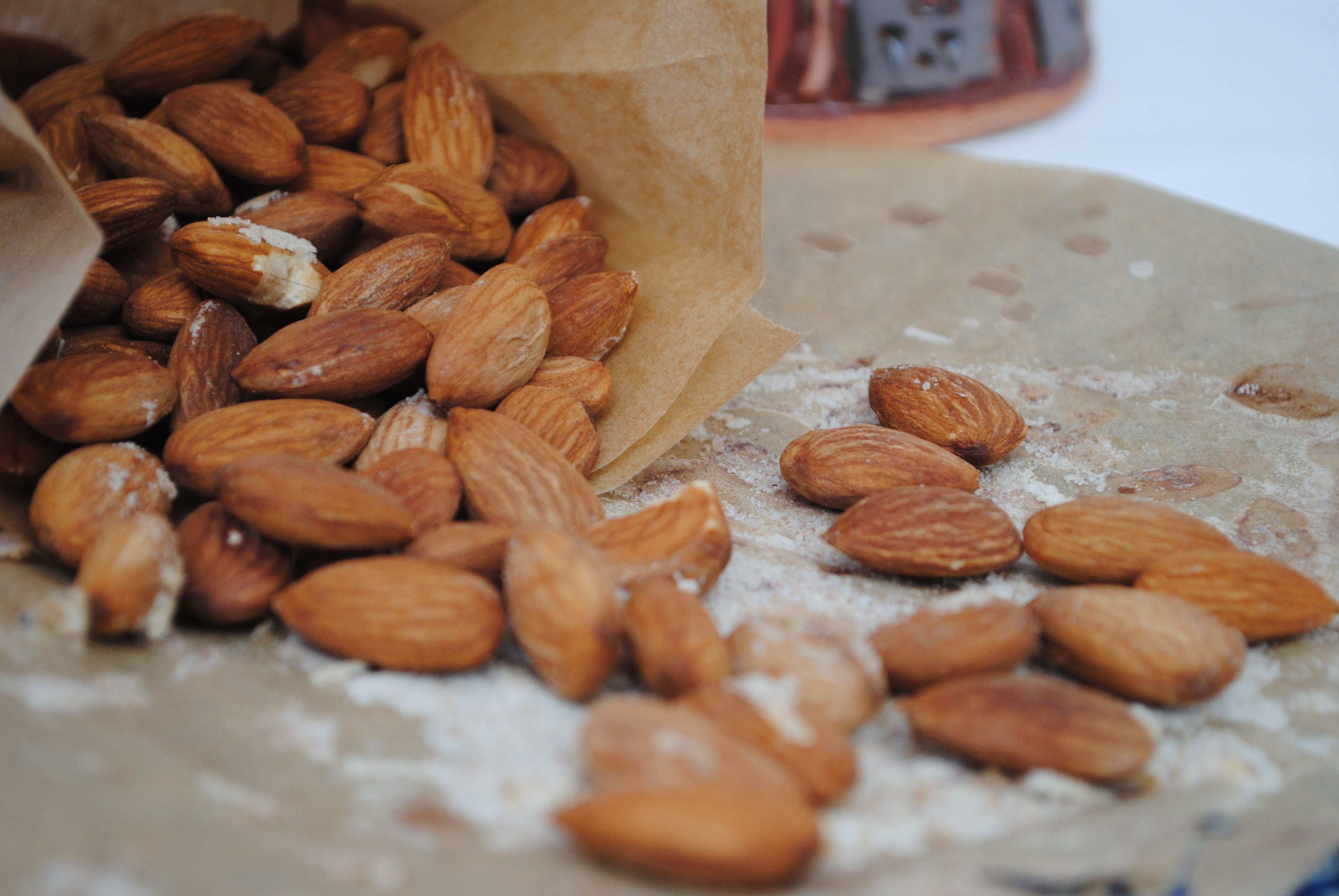 Moroccan roasted almonds